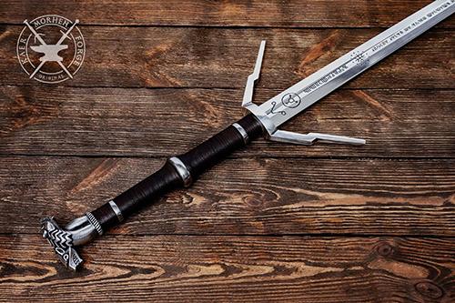 《巫师三》最强银剑 湖女之剑获取方式